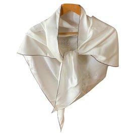 Hermès-Giant triangle Hermes-Cream