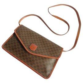 Céline-ENVELOPE-Brown
