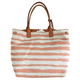 Burberry-Totes-Orange