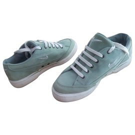 Nike-MODELE MIXTE-Vert clair