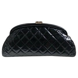 Chanel-Chanel black patent leather clutch-Black