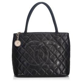 Chanel-Chanel Black Caviar Medallion Tote-Black