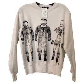 Chanel-Runway Space Astronauts White Cotton Sweatshirt Size 34-White