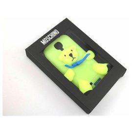 Moschino-MOSCHINO Etui pour téléphone portable Fluorescent Doux Ajusté à l'arrière Logo 'Bear'-Vert
