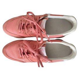 Louis Vuitton-Run Away-Rose