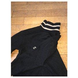 Chanel-knits-Black