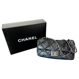 Chanel-Chanel small leather flap bag-Black