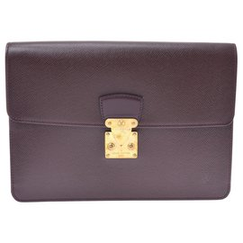 Louis Vuitton-Louis Vuitton Pochette Taiga-Violet