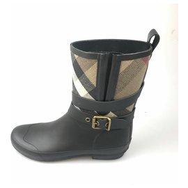 Burberry-Burberry Black Nova Check Rubber Rain Boot-Black,Multiple colors