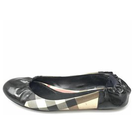 Burberry-Burberry Black Nova Check Patent Leather Ballerina-Black,Multiple colors