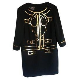 Moschino-Robes-Noir