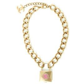 Chanel-SUPERMARKET CATWALK FW2014/2015-Golden