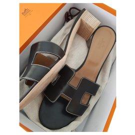 Hermès-Hermes Oasis sandals-Black