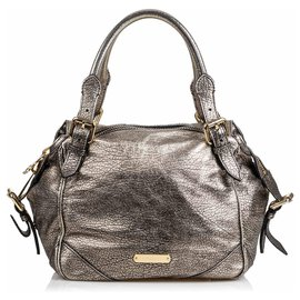 Burberry-Burberry Silver Metallic Leather Oakford-Silvery