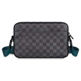 Louis Vuitton-Louis Vuitton Alpha messenger bag new-Grey