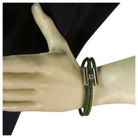Hermès-Hermes Tournis Tresse bracelet in green Swift calfskin with palladium plated hardware-Green