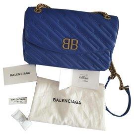 Balenciaga-Chaîne Balenciaga BB Medium en bleu - Nouveau-Bleu