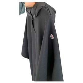 Moncler-mantle-Black