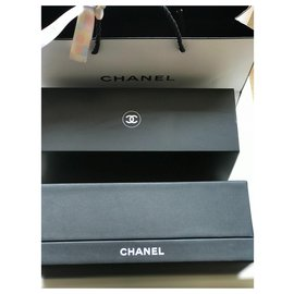 Chanel-VIP gifts-Black,Eggshell