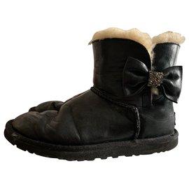 Ugg-UGG black leather-Black