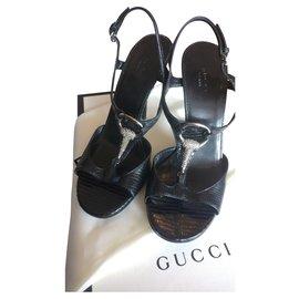 Gucci-Jewel sandals in lizard skin-Black