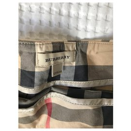 Burberry-Jupes-Beige