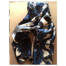 Autre Marque-Très grand foulard en soie Lily and Lionel-Bleu foncé
