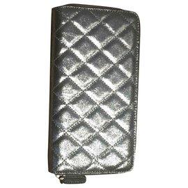 Chanel-Wallets-Silvery