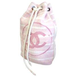 Chanel-Sac à dos Chanel et serviette assorti-Rose,Blanc