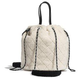 Chanel-CHANEL Petit cabas MOUTON NEUF-White