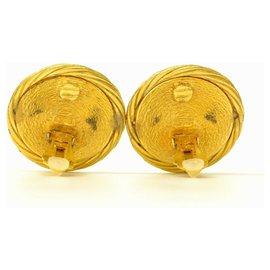Chanel-Chanel clip-on earrings-Golden