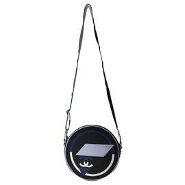 Chanel-CHANEL SAC A MAINS EN TOILE ET GOMME .-Noir,Blanc,Bleu Marine