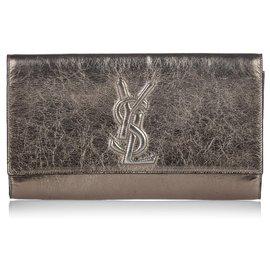 Yves Saint Laurent-Pochette Belle de Jour en cuir métallisé doré YSL-Doré