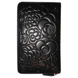 Chanel-Chanel large wallet pattern Camellia black-Black