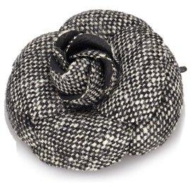 Chanel-Chanel Black Wool Camellia Brooch-Black,White,Cream