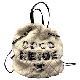 Chanel-CHANEL MOUTON SAC SHOPPING COCO NEIGE NEUF-White