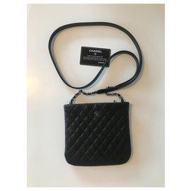 Chanel-Chanel shoulder sling bag-Black