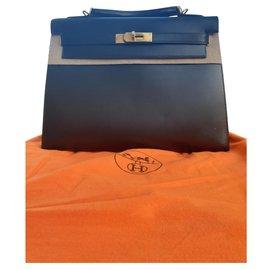 Hermès-Modèle Kelly 2 - 32 sellier veau box doublure chèvre, noir et métal doré-Noir
