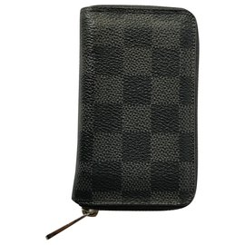 Louis Vuitton-ZIP Around-Black