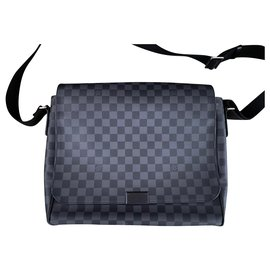 Louis Vuitton-Louis Vuitton District GM-Dark grey