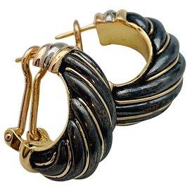 Cartier-Boucles d'oreilles Cartier trois tons d'or et silverium.-Autre