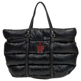 Moncler-Sac cabas noir en nylon matelassé et matelassé-Noir