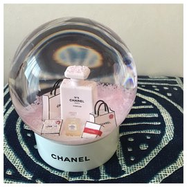 Chanel-Snowball-White