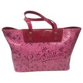 Louis Vuitton-Handbags-Fuschia