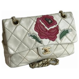Chanel-Ecusson intemporel Medum Flap Bag Flower Patch-Crème