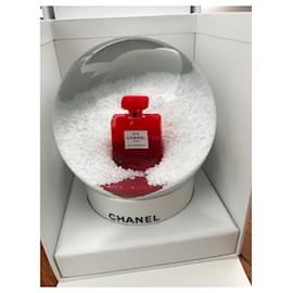 Chanel-Chanel snow globe-White