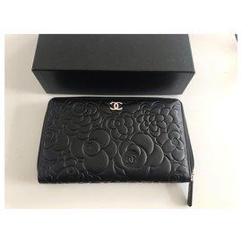 Chanel-Chanel portefeuille Camélia , noir en agneau , neuf-Noir