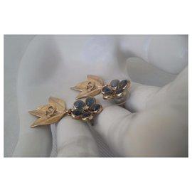 Chanel-CAMELIA EARRINGS-Golden