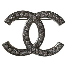 Chanel-DC-Pin-Silber