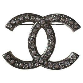 Chanel-Brooch CC-Silvery